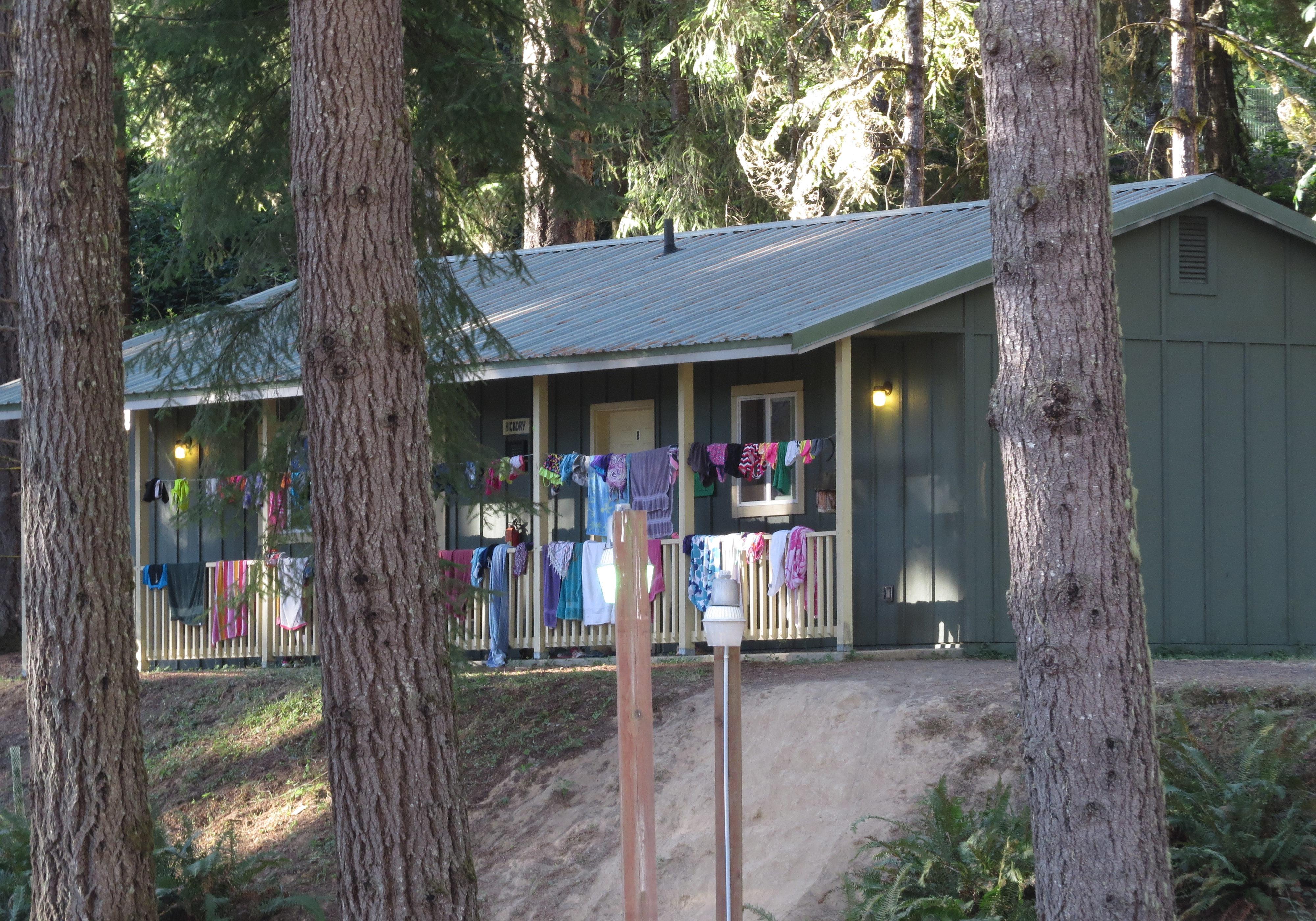 delux-cabin-outside